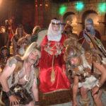 01Nieb-Fest-Spiel-Krimhild auf Trage mit Hunnen